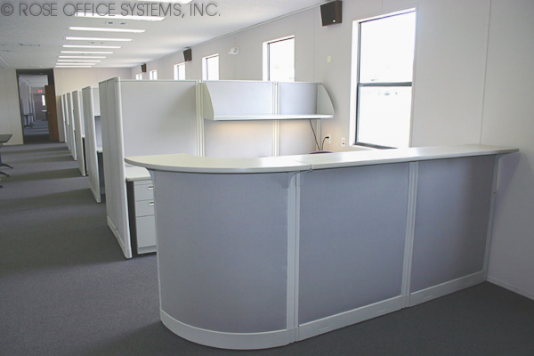 Extra large modular building with cubicles