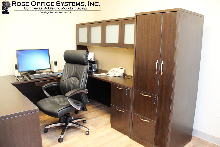 Large Executive Office Space by Rose
