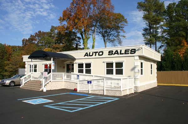 Mack Auto Used Modular Sales Center